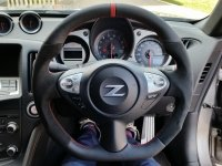370Z, Juke- re-profiled + flat bottom, black alcantara 9040 sides, smooth leather top-bottom + red centre band, red stitching 1.jpg
