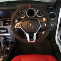 W204 C63 facelift - Dark grey alcantara 9002 + Red centre stripe at 12 o'clock, Red stitching 1