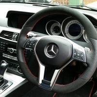 W204 amg - Slighlty thicker, Perforated leather on sides, Black alcantara top-bottom, Red stitching 2