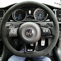 Golf R mk7 DSG - Slightly thicker 2mm, Black alcantara, Light silver 412 stitching 1
