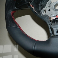 Golf V GTI- Perforated on sides, Nappa Top-Bottom, Red Stitching 3
