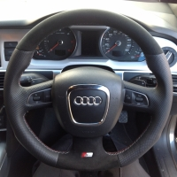 A4,A6,Q5,Q7 3 spoke s-line with paddles - modified + flat bottom, perforated sides, black alcantara top-bottom, silve and red stitching 1
