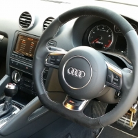 RS3 2012 with paddles - Nappa leather sides, black alcantara topbottom, silver stitching 2
