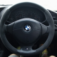 3-series-e36-m-tech-steering-wheel-thicker-in-alcantara-with-m-stitching-03