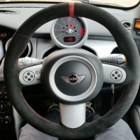 Mini R53 (3-spoke without paddles) – black alcantara 9040 + Red centre band at 12 o'clock, Red stitching 1