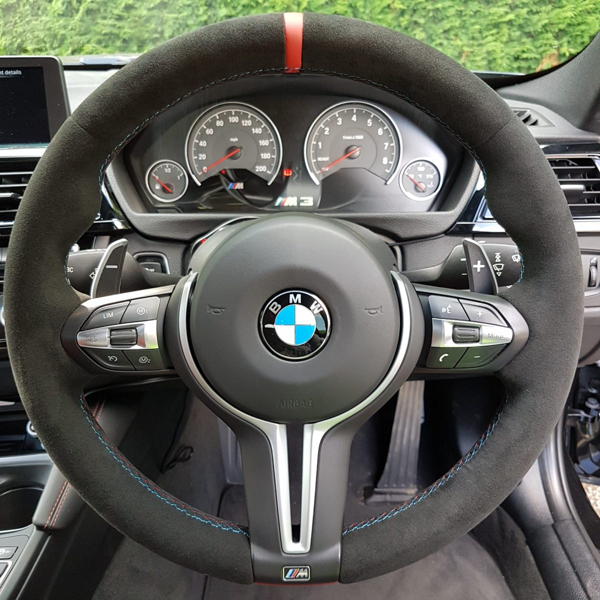 How to trim the steering wheel